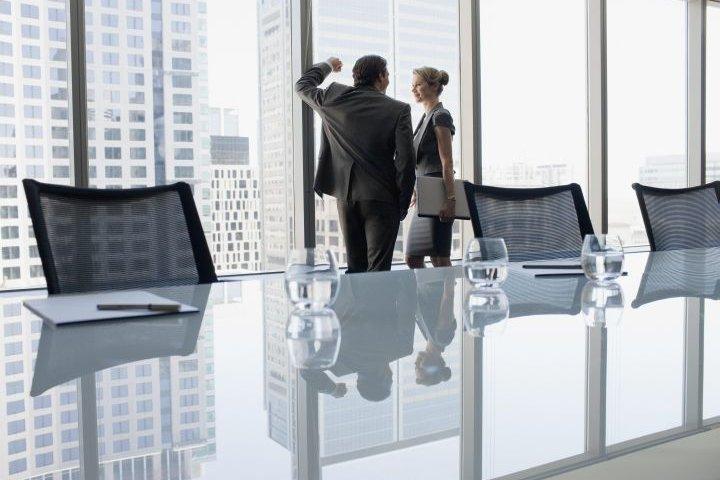 El declive del romance de oficina, en la era del…