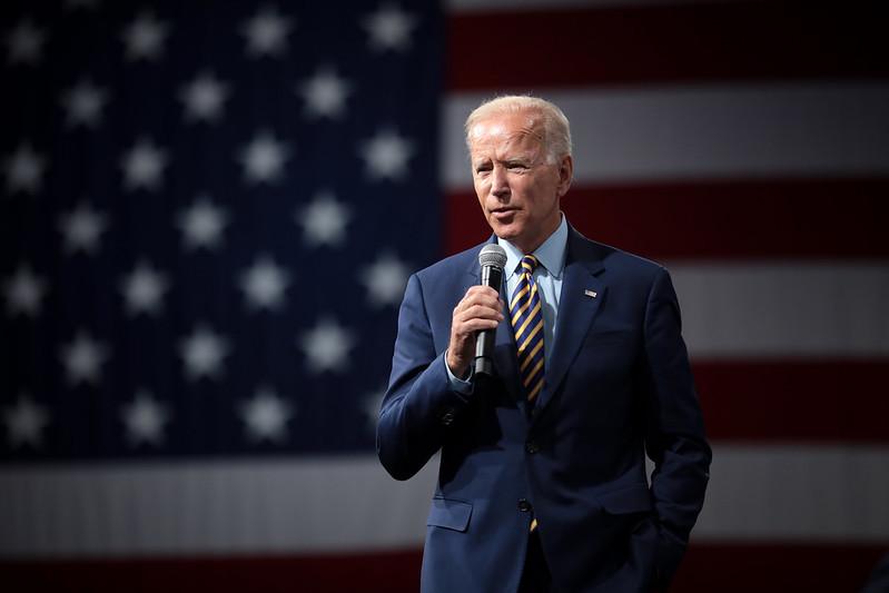 UE negocia con Biden para normalizar comercio