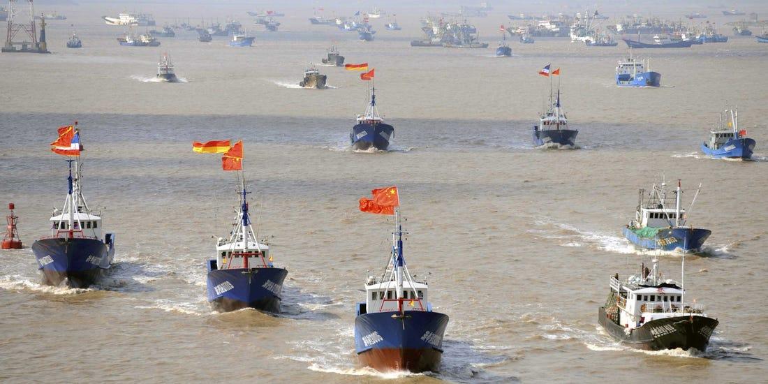 Pesqueros chinos ilegales frente a las costas de Sudamérica