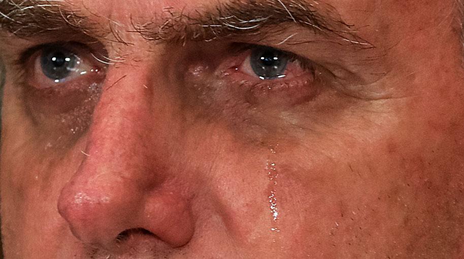 Bolsonaro, el presidente de Brasil revela que va al baño…